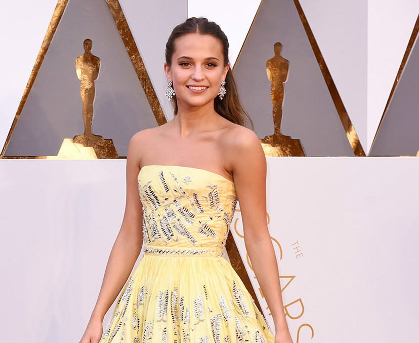 alicia-vikander-2016-oscars-red-carpet-2
