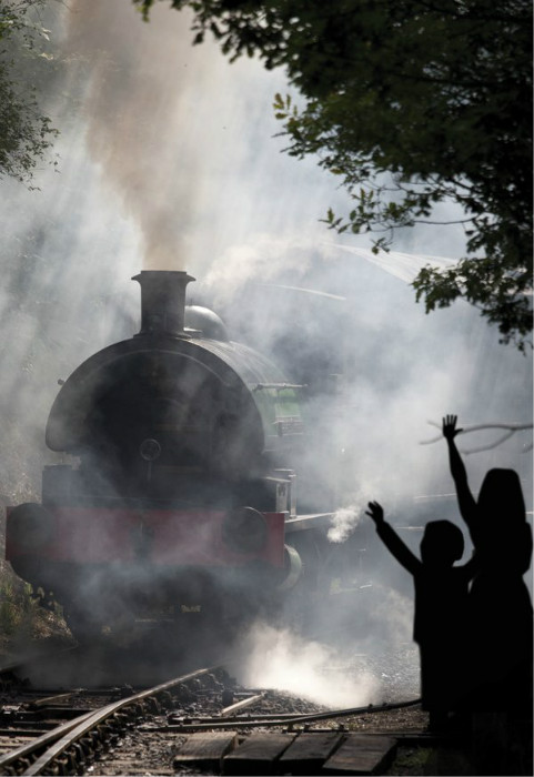 railway children harlow playhouse