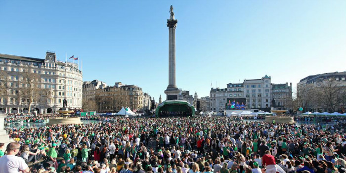 st-patricks-day-on-trafalgar-square-2x1
