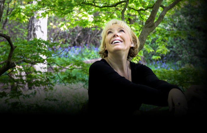 barb-jungr-shelter-from-the-storm